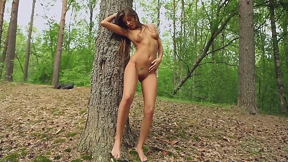 Nackt von hinten polin Milf Cams